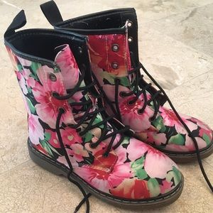 Shoes - Dr. Martens inspired floral fabric combat boots